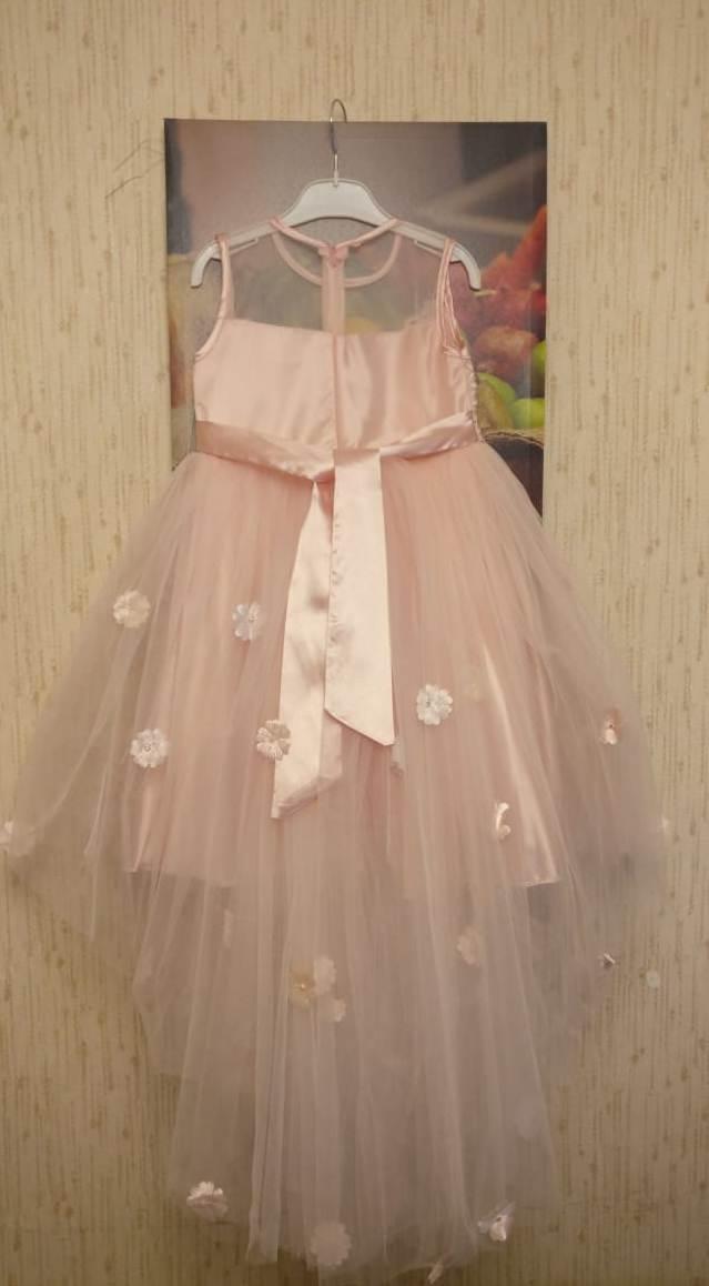 Нарядное платье для девочки, новое