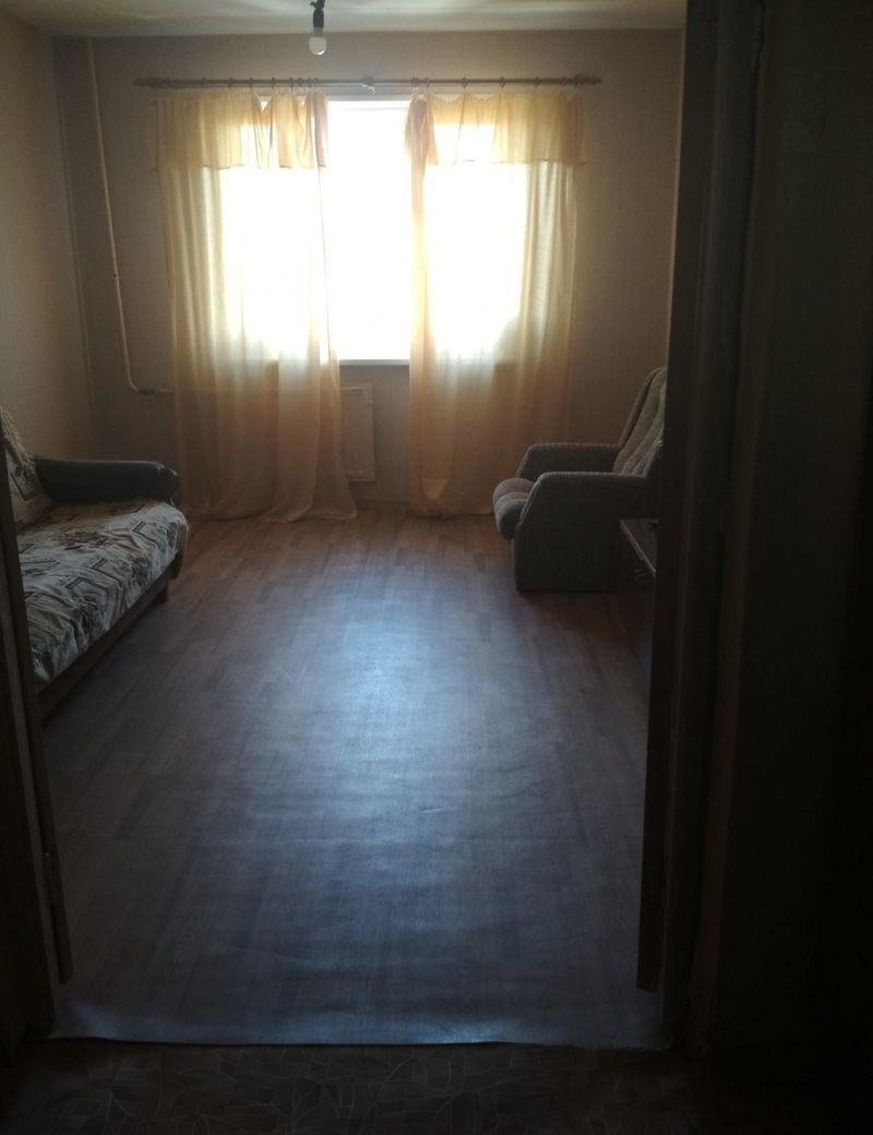 Комната в аренду ,  для одного молодого человека или девушки, метро ря ...